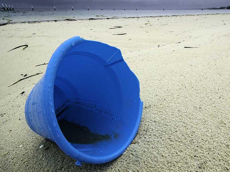 pollution des plages par le plastique